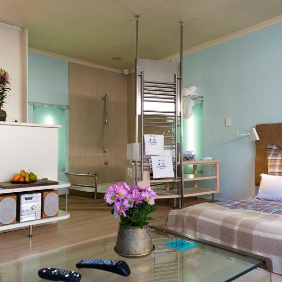 Rosedene Lodge, Garden Suit Jacuzzi Bath